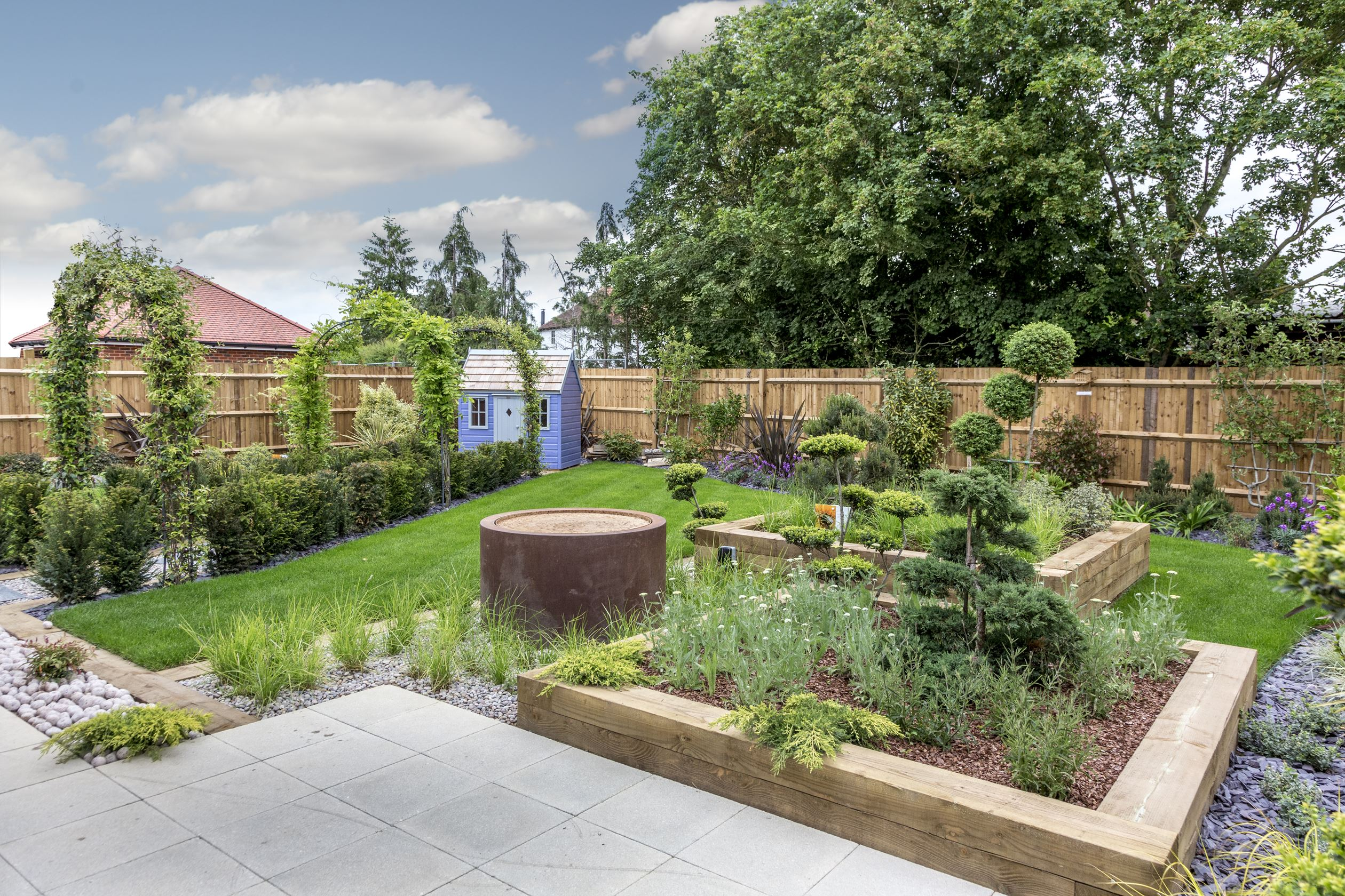 Dickens Gate silver accredited show home garden